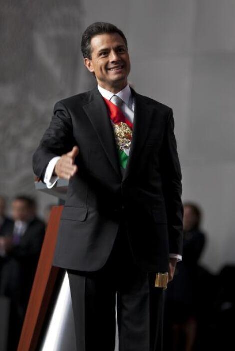 Junto a unos dulces de ate, en su tercer día como mandatario, Peña recib...