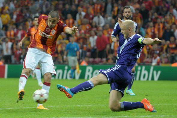 Pero un gol sobre la hora haría el miladro para los turcos, Burak Yilmaz...