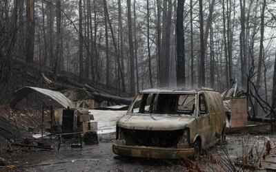 Los restos de una vivienda en Gatlinburg, Tennessee.
