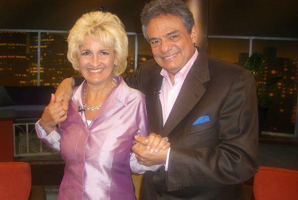 Sarita Salazar, esposa de José José, visitó al Don para demostrar que lo...