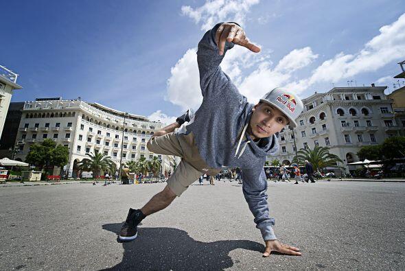 Roxrite es caracterizado por su estrategia en las batallas de breakdance...