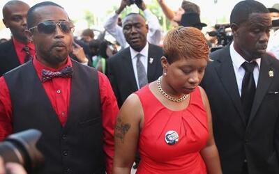 Emotivo funeral de Michael Brown