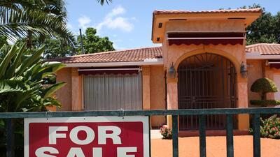 Atrasos en hipotecas hace que cientos de familias pierdan sus hogares.