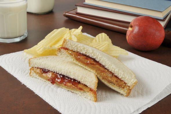 Otra idea deliciosa es una variación de los clásicos peanut butter and j...