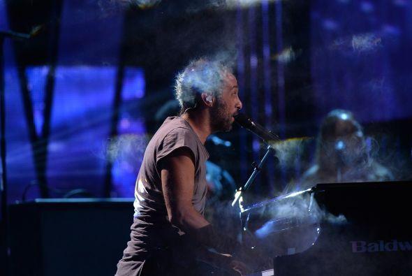 Mario Domm y su piano enamorarán a miles de chicas.
