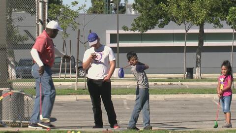 Impulsar vidas enseñando a jugar golf, el objetivo de un veterano del Army