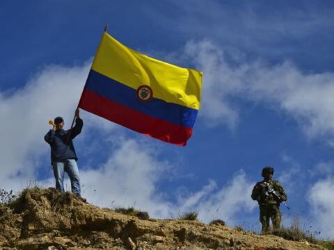 """Al menos 42 carreteras de 13 departamentos de Colombia presentan """"c..."""