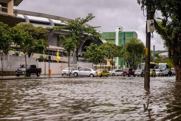 En marzo del año pasado, con el Maracaná aún en obras, otro temporal dej...