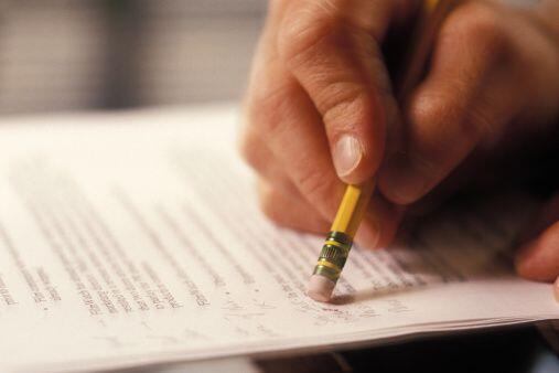 EDITOR/CORRECTOR: Los editores y correctores de texto pueden trabajar de...