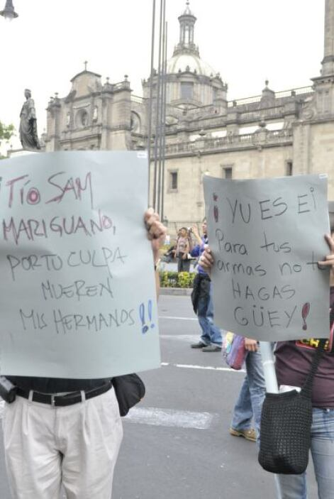 La columna de manifestantes en Cuernavaca partió de la rotonda de la Pal...