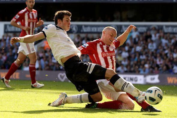 Tottenham y Stoke City se dieron con todo. 5 goles en un intermitente en...
