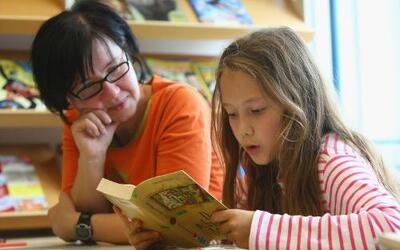 Creciendo Juntos: No oír ya no es un obstáculo para los niños