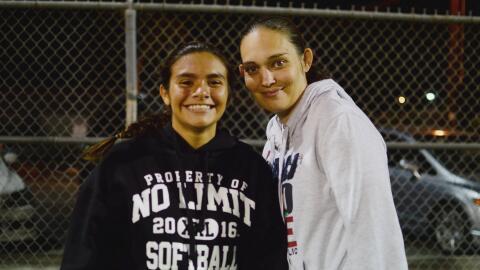 Genesis Rivas y su mamá Melissa Steele.
