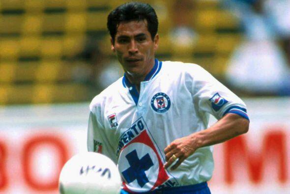 Tras un paso por Santos Benjamín llegaría al Cruz Azul, con los celestes...