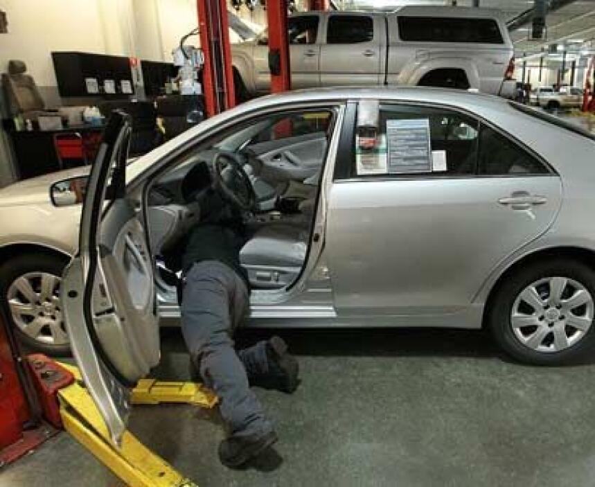 9. Se 'declochó' Causa: En autos de transmisión manual, el clutch o embr...
