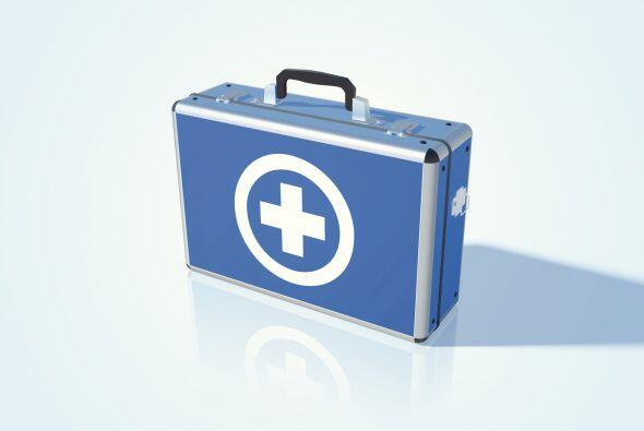 7-Lleva un kit de emergencia. Según el National Institute for Automotive...