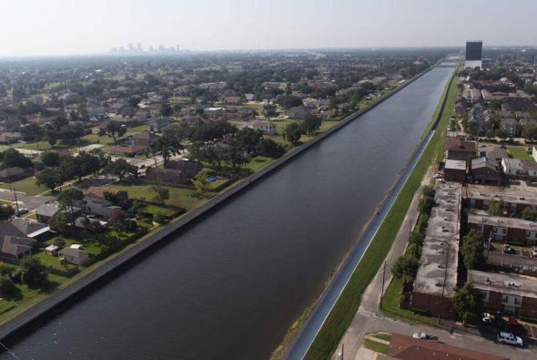 """""""Esto podría soportar la crecida del huracán Katrina si siguiera el mism..."""