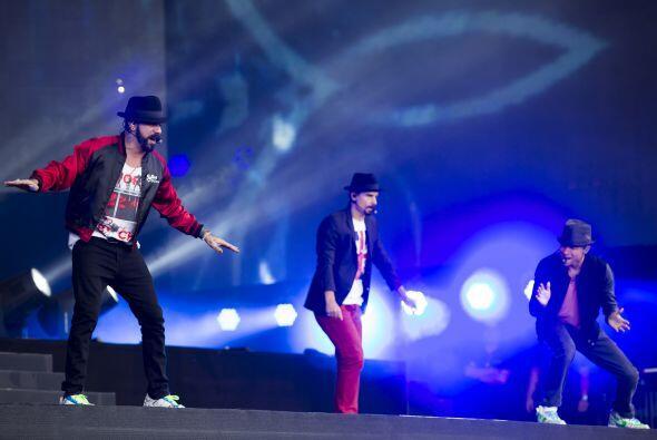 13. Backstreet Boys; 410,876 dólares; 49.34 dólares.