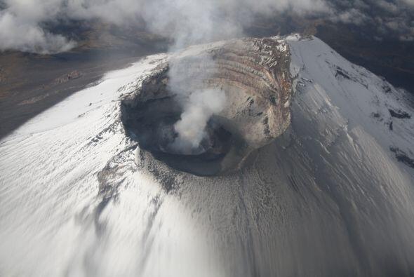 Las autoridades mexicanas dan a conocer nuevas imágenes del volcán Popoc...