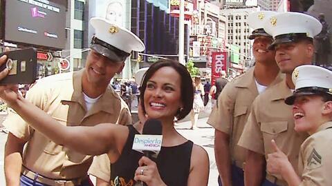 Birmania Ríos se divirtió con los marines en la Semana de la Flota en Nu...