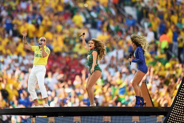 El estadio acompañó a coro el popular tema 'We Are One'.To...