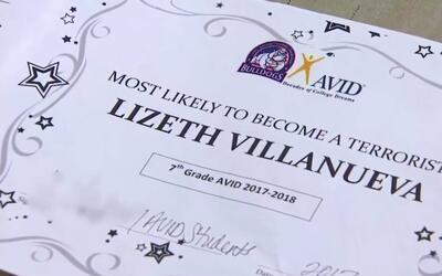 Este es el diploma recibido por Lizeth Villanueva, una estudiante de s&e...