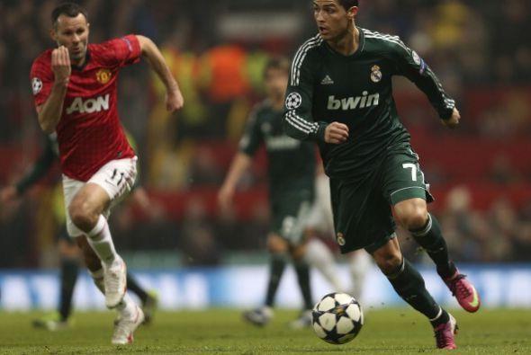 En la primera mitad Cristiano Ronaldo demostró su calidad por la banda i...