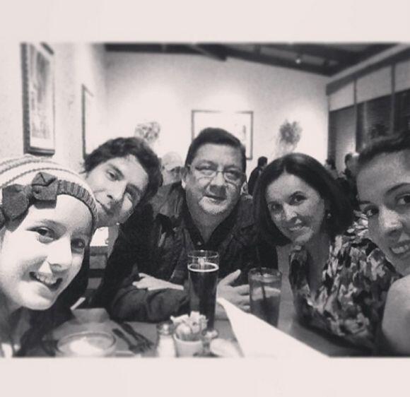 """Solo falta @einteriano7 #familia #feliz"", dijo Maity Interian..."
