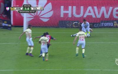 Ni el tiro del final le salió a Chivas en el primer tiempo y América se...