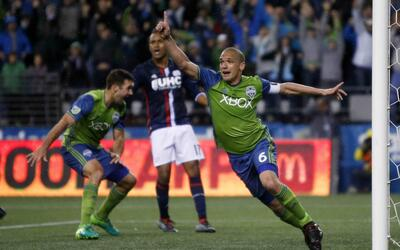 Osvaldo Alonso gol Seattle Sounders
