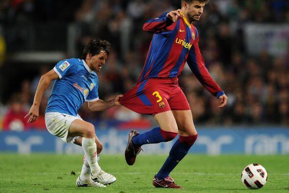 El argentino Piatti, del Almería, le pidió la camiseta a Piqué. Parece q...