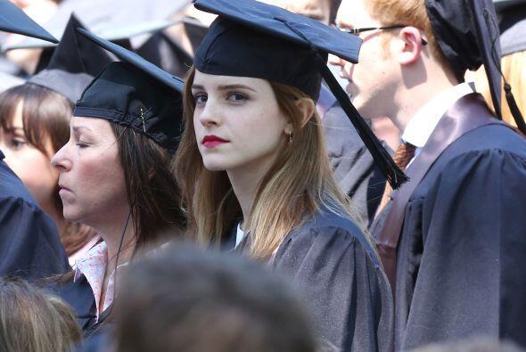 Su ceremonia fue este domingo, junto a 2,000 compañeros de la Universida...