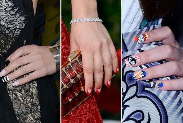 Los diseños en sus uñas son tan coquetos y creativos, que decidimos comp...