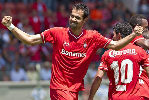 Pablo Velázquez demostró que llegó a la Liga MX para quedarse pues desde...