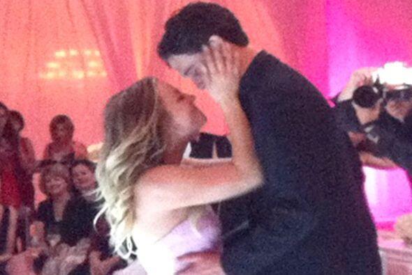 La estrella de 'The Big Bang Theory' se casó con su novio Ryan Sweeting...