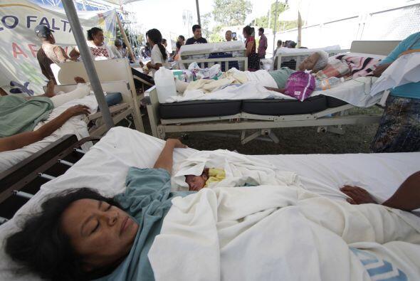 17.-Intoxicados en mitin  Al menos 700 indígenas resultaron intox...