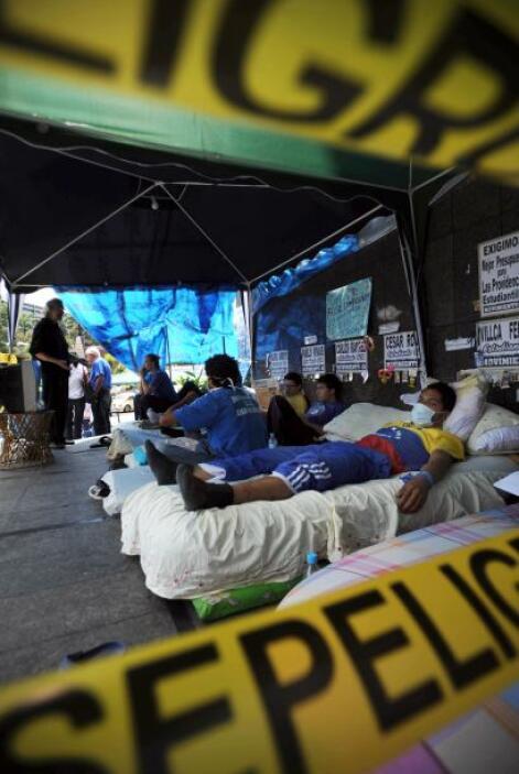"""Los manifestantes exigen al gobierno que """"sincere el presupuesto, que no..."""