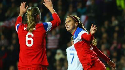 Un gol de Alex Morgan le da a Estados Unidos triunfo en Inglaterra