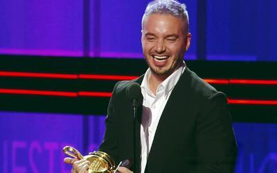 J Balvin quedó sin palabras al ganar Artista del Año en Premio lo Nuestr...