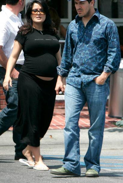 Con Sami, cuando estaba a punto de sar a luz a su nena Valentina Paloma....