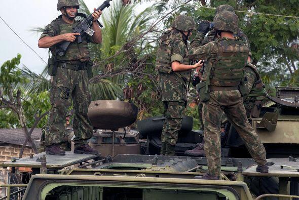 Más de 228 agentes según el alcalde de Río de Janei...