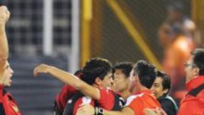 Alajuelense, con un gol del hondureño Jerry Palacios, derrotó por 3-1 al...