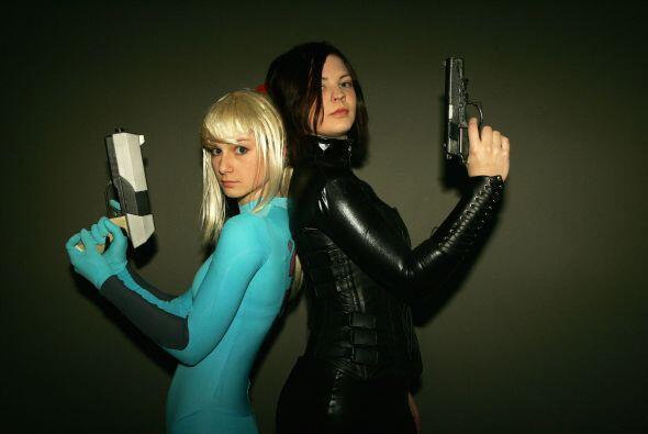 Un disfraz de espía al estilo 'la chica James Bond' es garantía para lev...