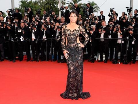 La actriz Michelle Rodriguez optó por las transparencias.