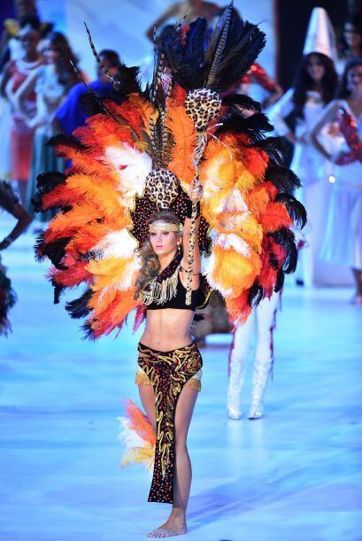 Uno de nuestros orgullos latinos, Miss Bolivia, Andrea Forfori Aguilera.