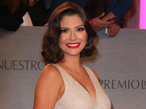 Ana Patricia sorprendió a todos en Premio Lo Nuestro portando un...