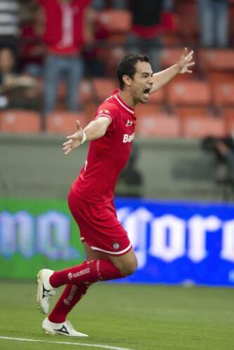 Salió de cambio al minuto 89, anotó el gol del triunfo al 74'. Tiró dos...