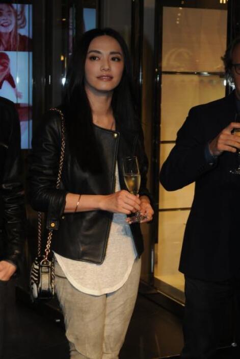 83.- YAO CHEN: Es una galardonada actriz china con el mayor número de se...