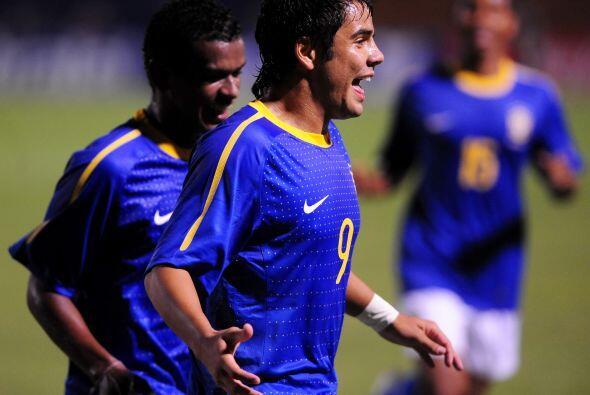 En tanto Brasil, con un equipo de suplentes y sin Neymar derrotó...