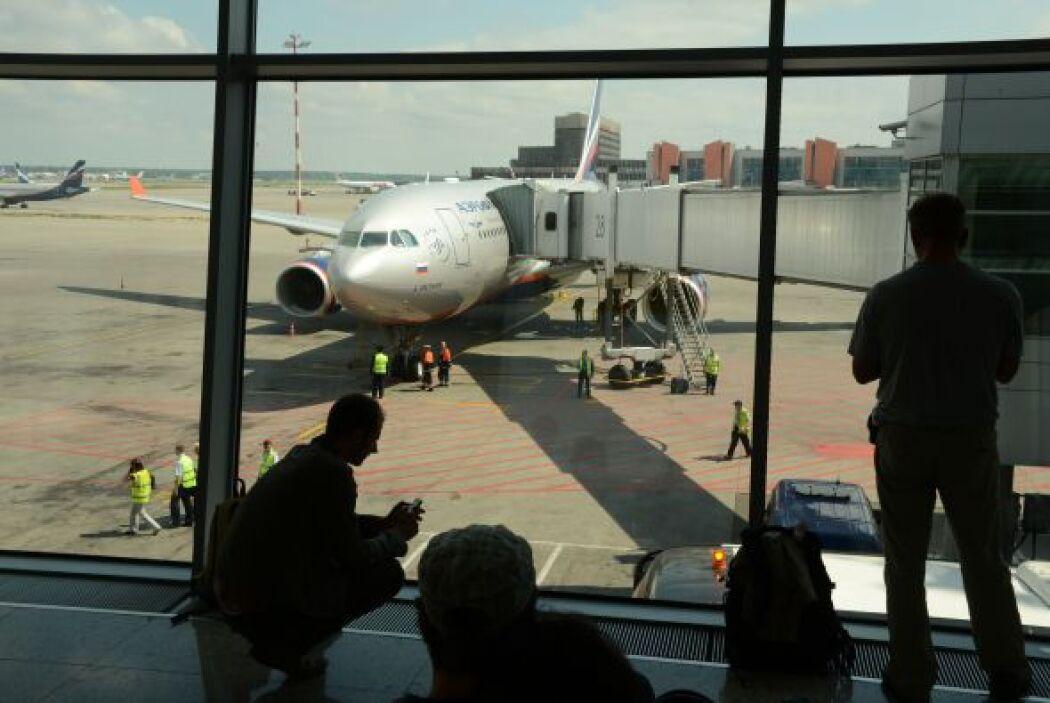 24 de junio: El ex técnico de la CIA aterriza en el aeropuerto Sheremeti...